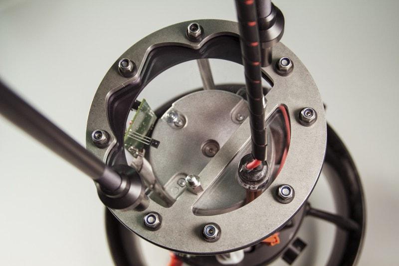 Uszczelniony przedział silnika w skuterze